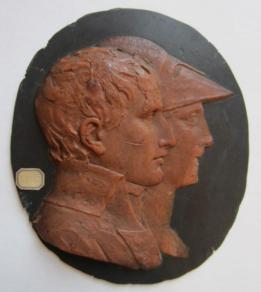 Médaillon à l'effigie de Bonaparte et de Minerve en buste